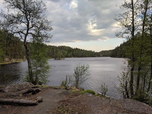 Utsikt fra teltplass ved Langvannet i Østmarka