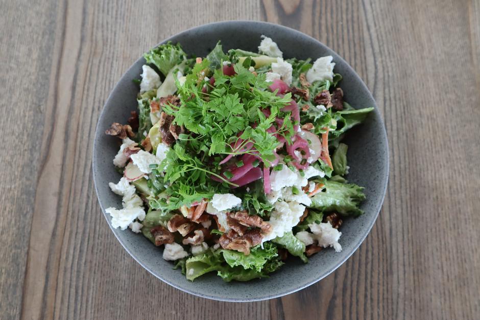 Vegetarsalat fra vår a la carte meny