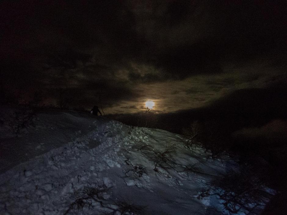 Måneskinn ved Mjåvasshytta.