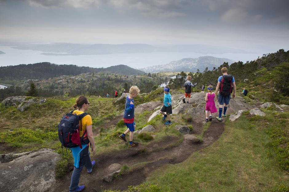 Syvfjellsturen i Bergen er ei oppleving som passar for små og store.