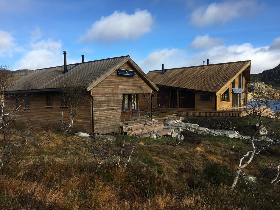 DNT Sørs nyeste hytteanlegg på Kvinen. Et stort prosjekt drevet av foreningen og frivillige.