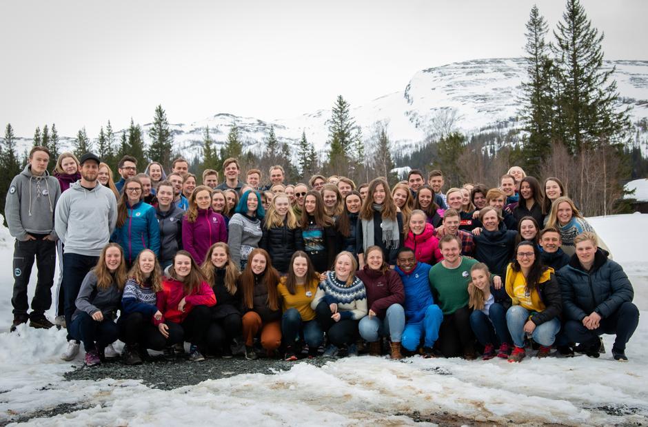 I anledning DNT ungs landsmøte var disse samlet i Trøndelag i helgen. Der ble det delt ut to priser til de som har jobbet ekstra hardt for organisasjonen.