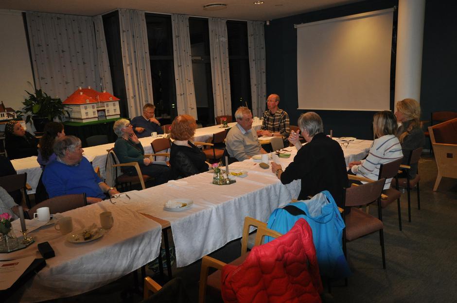 Engasjerte medlemmer på turlagets årsmøte 2016.
