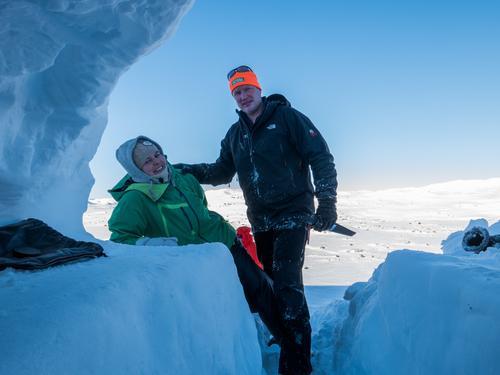 Avlyst: Eksklusiv natt i snøhule - bli med på vinterkurs i mars!