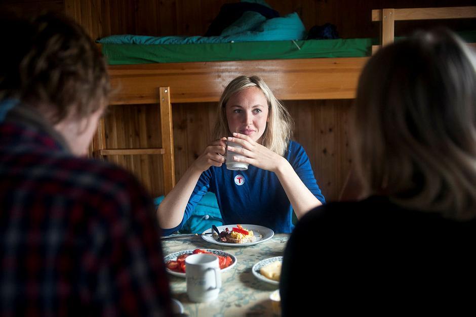 Ta en vennetur i høst! DNTs hytter står klare for besøk.