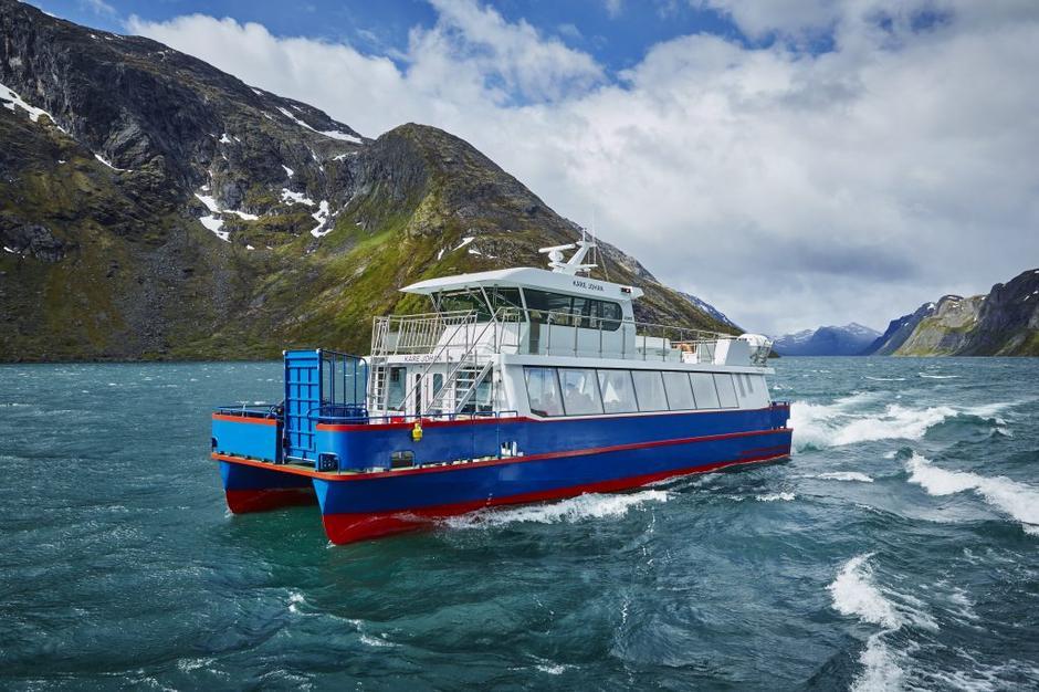 HISTORISK: Katamaranen Kåre Johan er sjette gjendebåt i rekken og oppkalt etter en tidligere skipper.