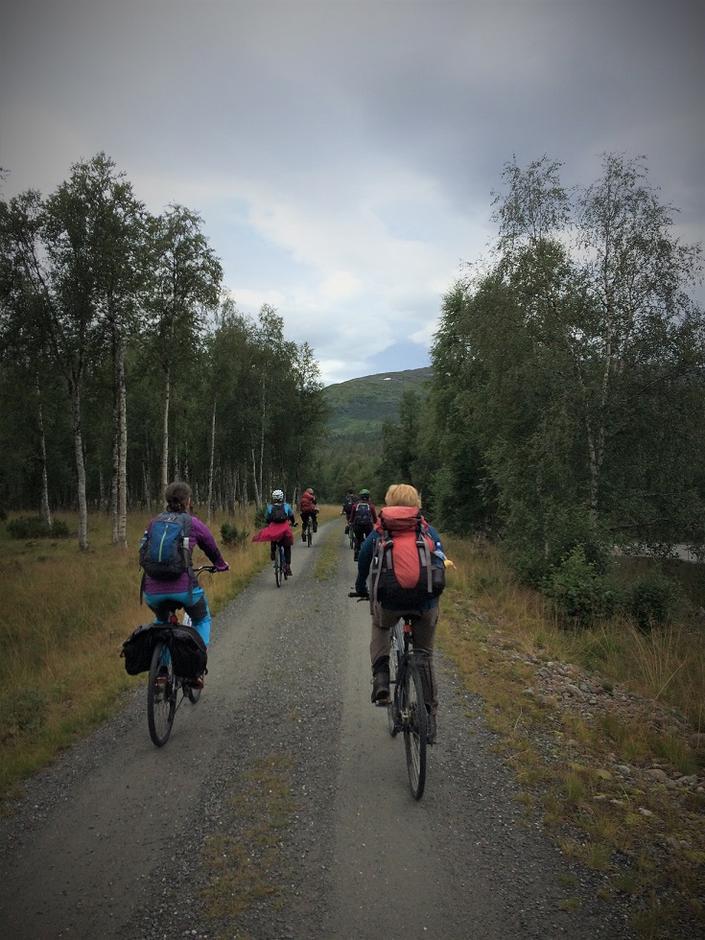 på turer i Vindøldalen er sykkel kjekt å ha
