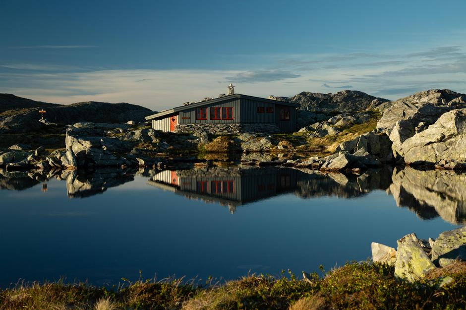 Hardbakkhytta er en av hyttene som Gro og Roar Halten var innom.