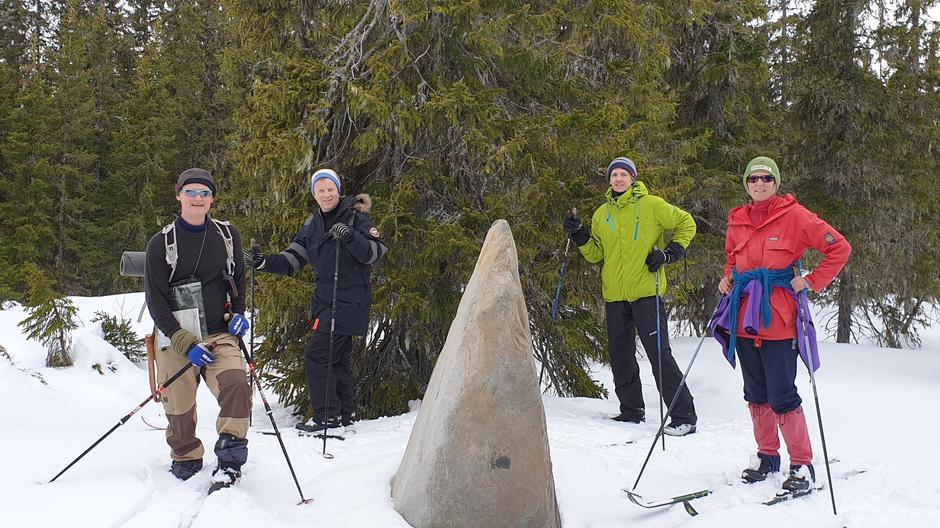 Skitur på kryss og tvers i Gropmarka