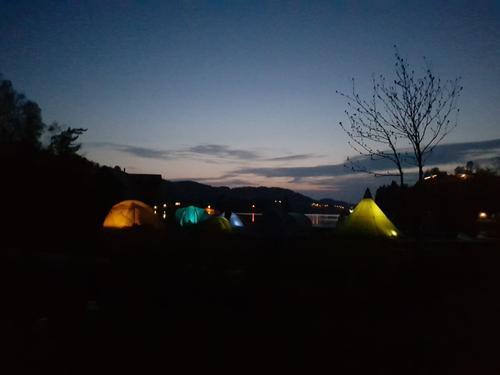 Kveldstemning i campen