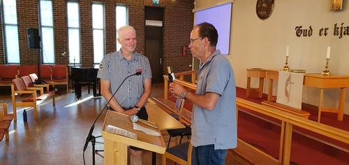 Erik Brenden (t.h.) takker av Erik Lunde som styreleder etter årsmøtet i juni 2020.