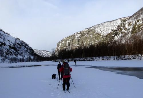 Skitur på Reisaelva