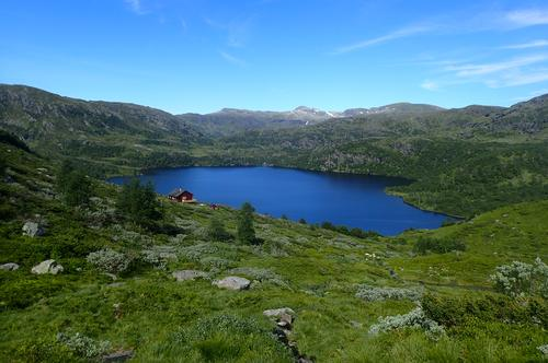 Etnefjellet mellom Storavassbu og Løkjelsvatn.
