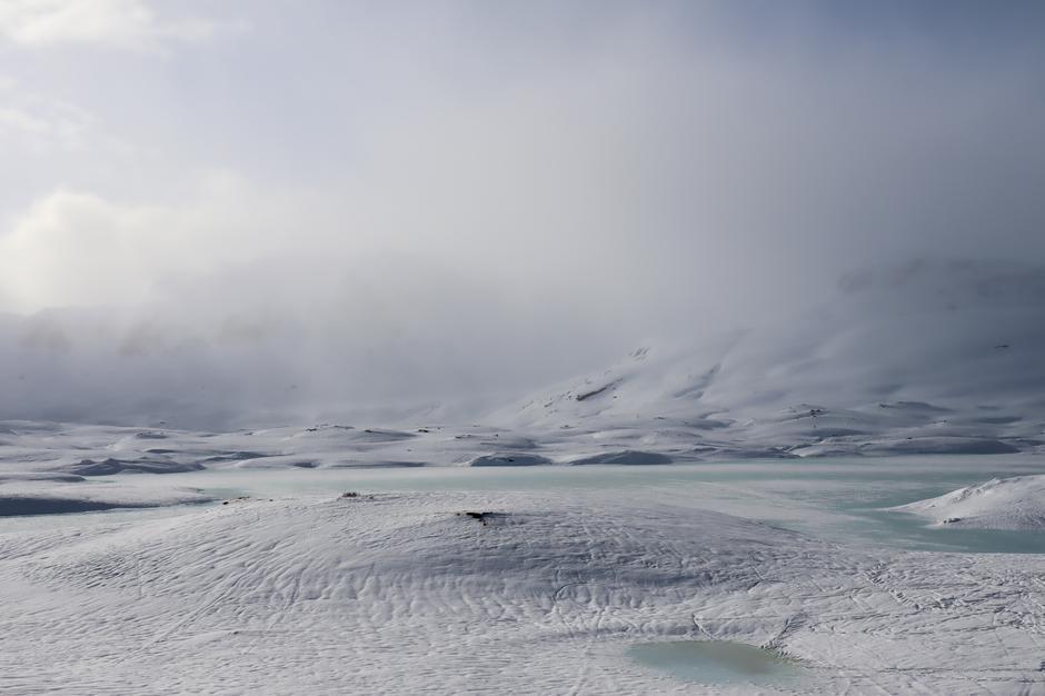 Uke 8 har vært preget av mildvær, mye nedbør og overvann på isen