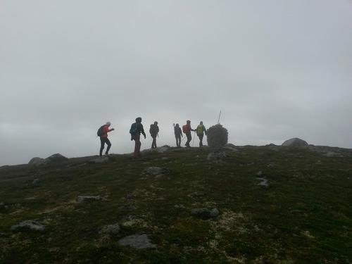 Takk for ein fin 5-toppstur med Bre & Fjellsportgruppa! Dyktige Johnny geleida oss fra topp til topp vha kart og kompass på ein heller ruskete dag
