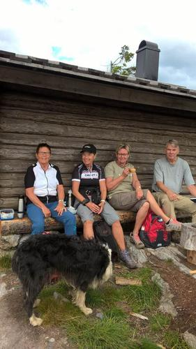 Turen den 29.06. fra Slåttsveen om Putten - Trollheim - Rognlihaugen - Trettrota og tilbake.