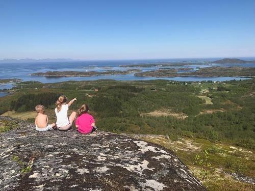 Flott utsikt fra Stangheia på Bjarkøy