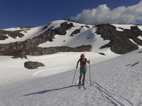 På skitur i Bergen midt i juni
