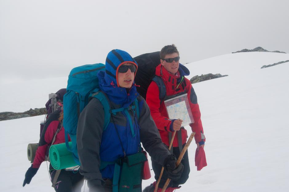 Konstantin Plotkin og Håvard Kyvik får testet navigeringskunnskapene sine i tåke.