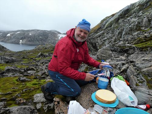Fjellkokken Bjørn Olav diskar opp