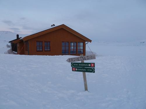Velkommen til Troms Turlags nye storstue på Vuoma