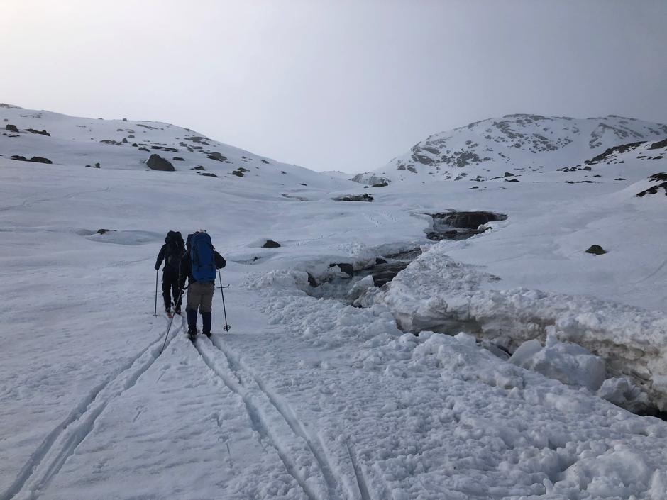 Disse valgte å snu på vei til Blåfjellenden. Elvene har åpnet seg.