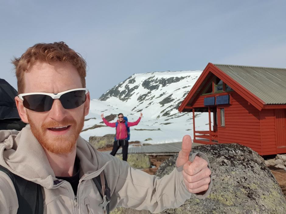 DUGNAD: Espen Simonsen og kjæresten Ann Christin Byrkjeland var hyttevakter på Litle Aurådal i påsken i fjor.