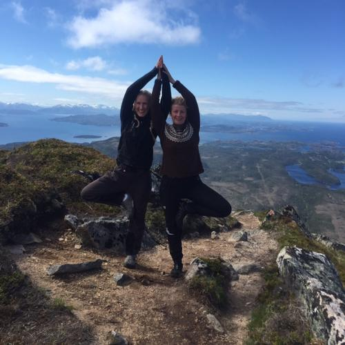 Yoga og fjelltur