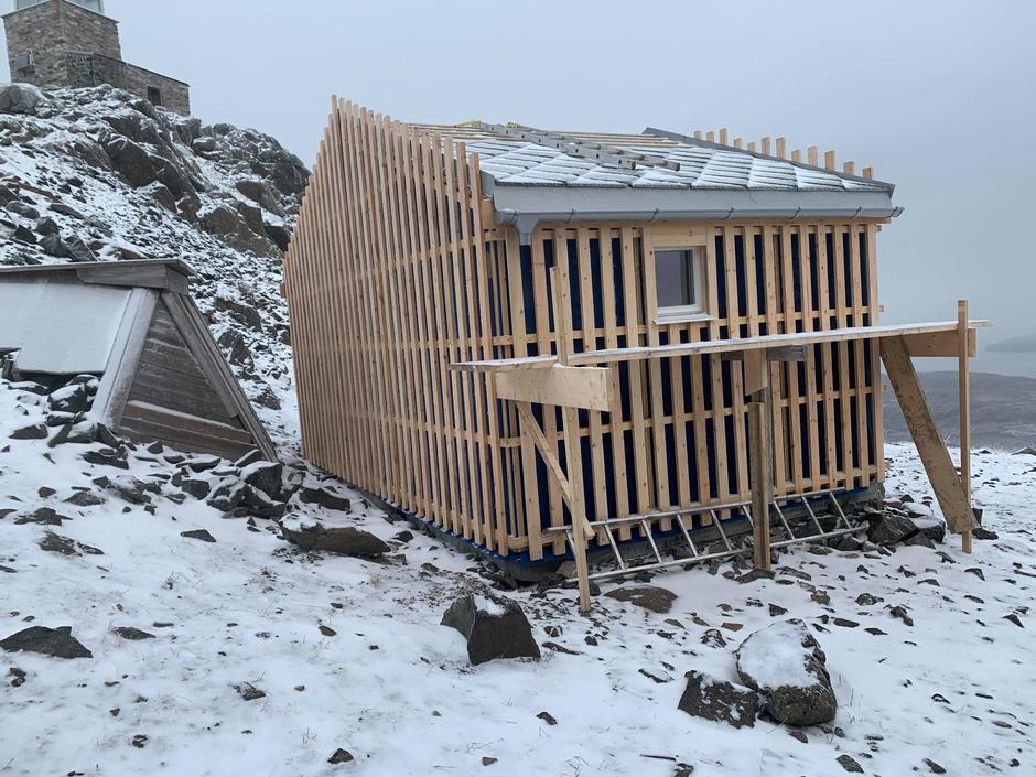 Nytt sanitærbygg under oppføring på Halde