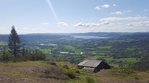 Utsikt fra østsiden mot Lierbyen og Drammensfjorden