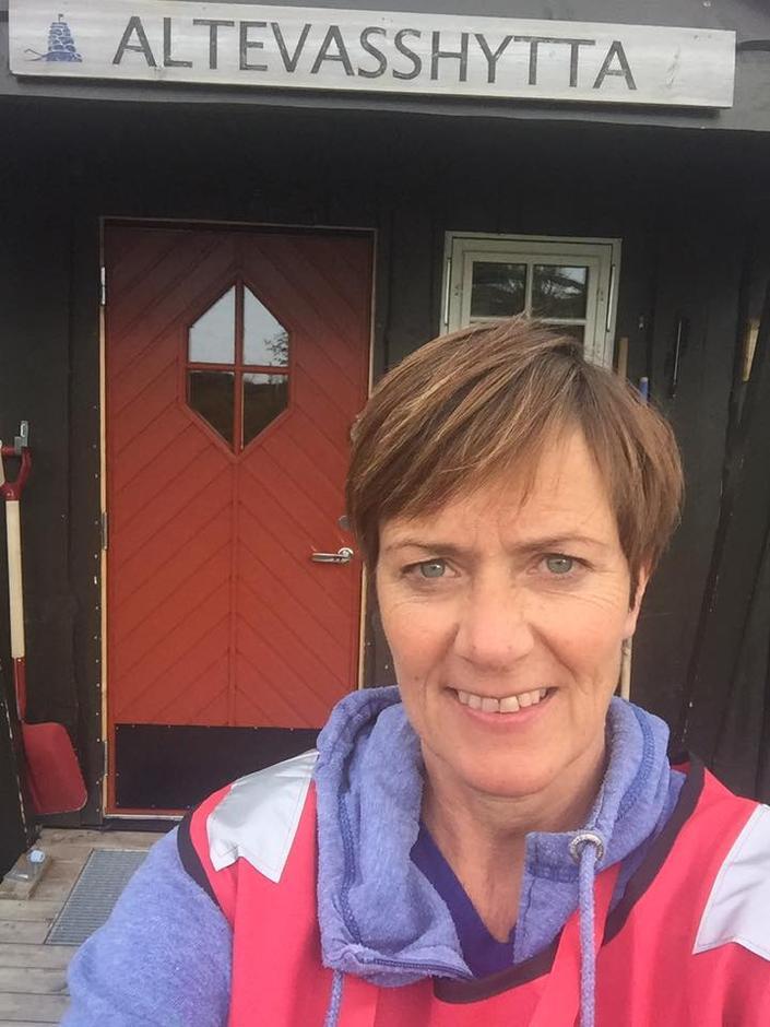 Linda var hyttevert på Altevasshytta i fjor. Der møtte hun blant annet mange som gikk Norge på langs.