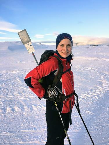 Marie har årsstudium i friluftsliv, er glad i vinterturer og padling. Trives aller best på turer med god tid til sanking av sopp, bær og digge planter.