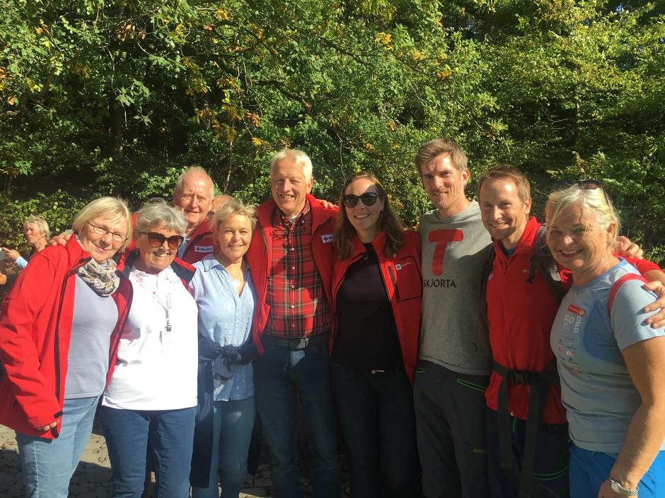 Eldre- og folkehelseminister Åse Michaelsen på tur med Kristiansand Røde Kors og DNT Sør