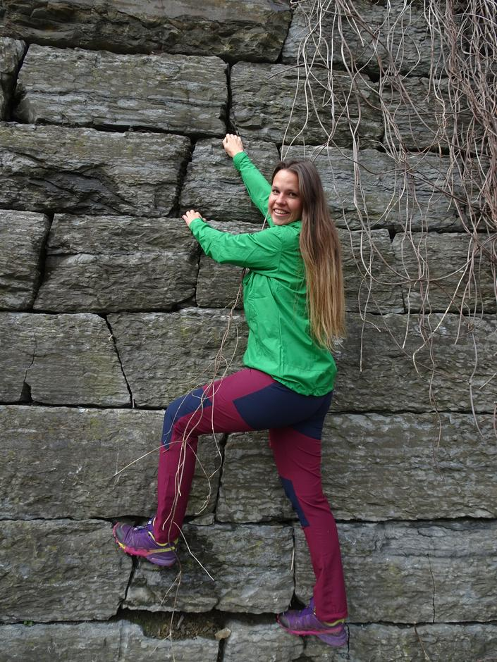 """Vi anbefaler de gode turbuksene i Cecilie Skog sin """"klatre-serie""""!"""