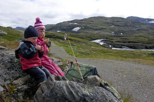 Bildet er tatt på vei til Geiterygghytta for å spise vaffler, og er av mine barn Hanne og Lasse Selvåg.