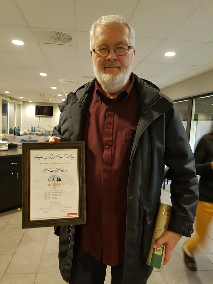 Diplom som vart tildelt syner alle tillitsverva Alvar har hatt i SFT opp gjennom åra.