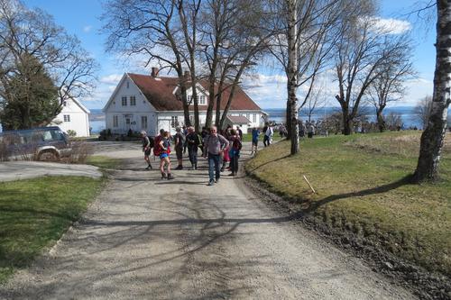 Vårtur på Helgøya