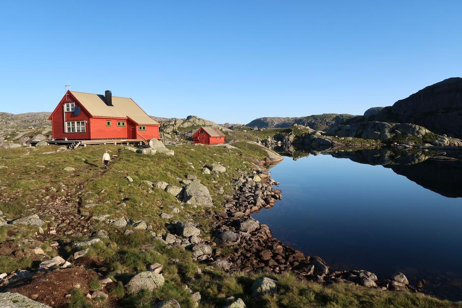 Sandvatn ligger vakkert til i Frafjordheiene.