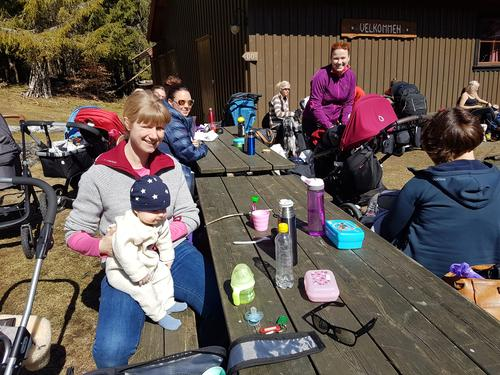 Barnas Turlags trillegruppe på tur til Lauvesetra 26. april