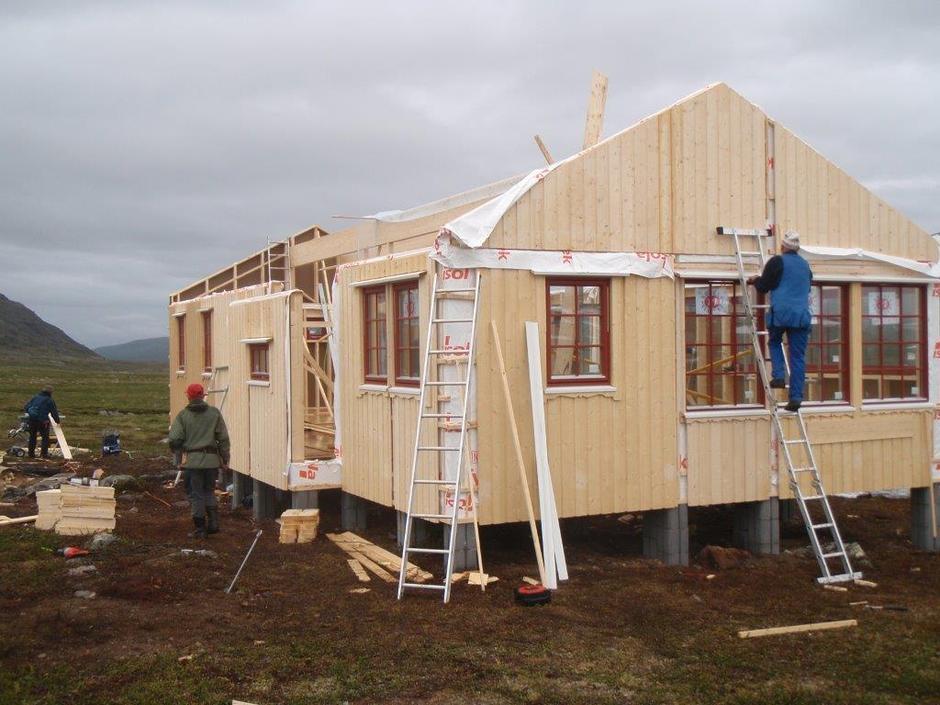 Fra byggingen av Dærtastua, som var ferdig i 2013.