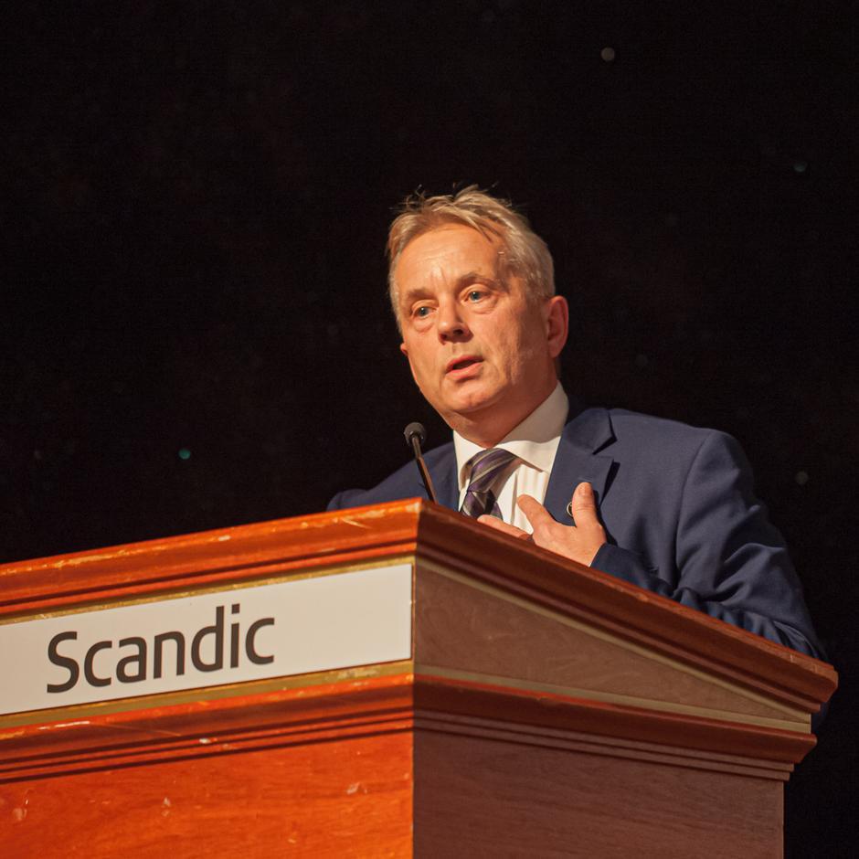 Fylkesmann Knut Storberget.