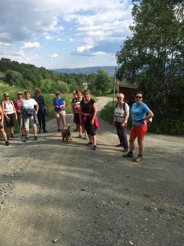 16. juni hadde Seniorgruppa tur i Skrautvål Heimås