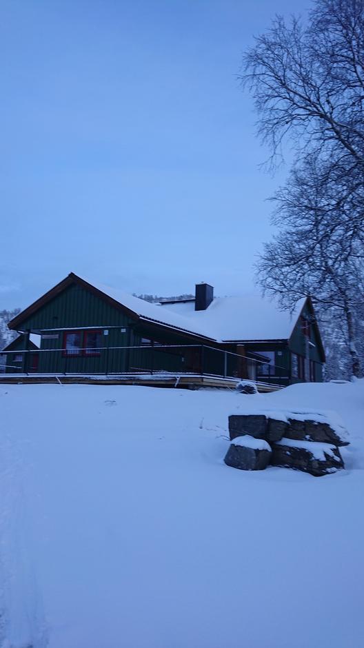 Torsdag 9.1: Alexander Grieghytta har blitt oppgradert. Snøen har kommet også..