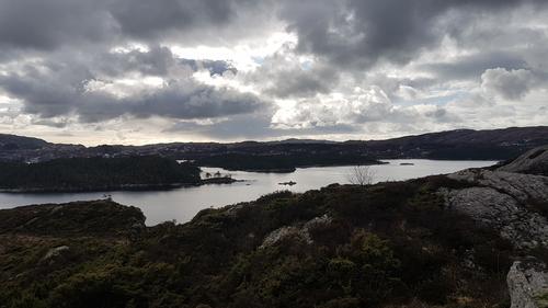 Utsikt mot Råna, Morland og Kolltveit