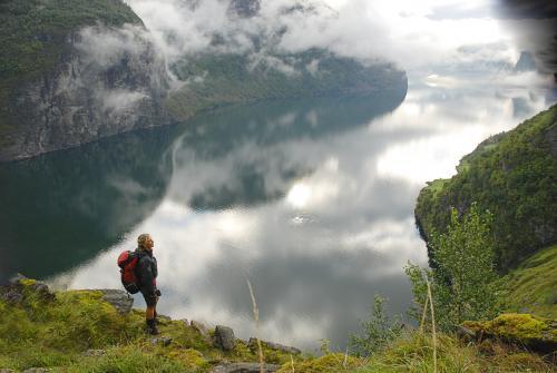 Aurlandsfjorden, Stigen gård