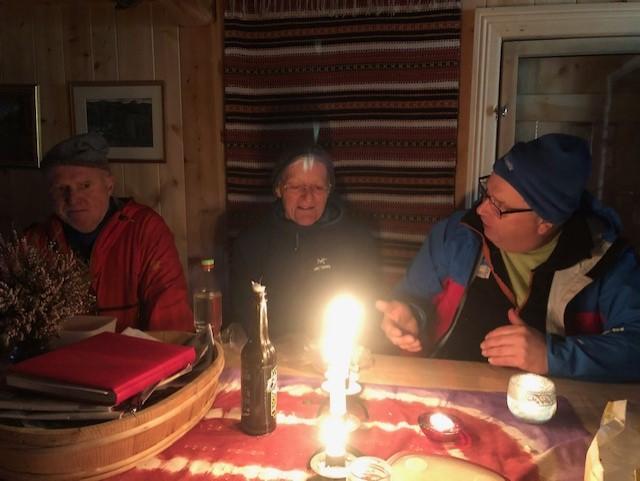 Litt innekos vart det tid til på Hamarsbakkestøylen.