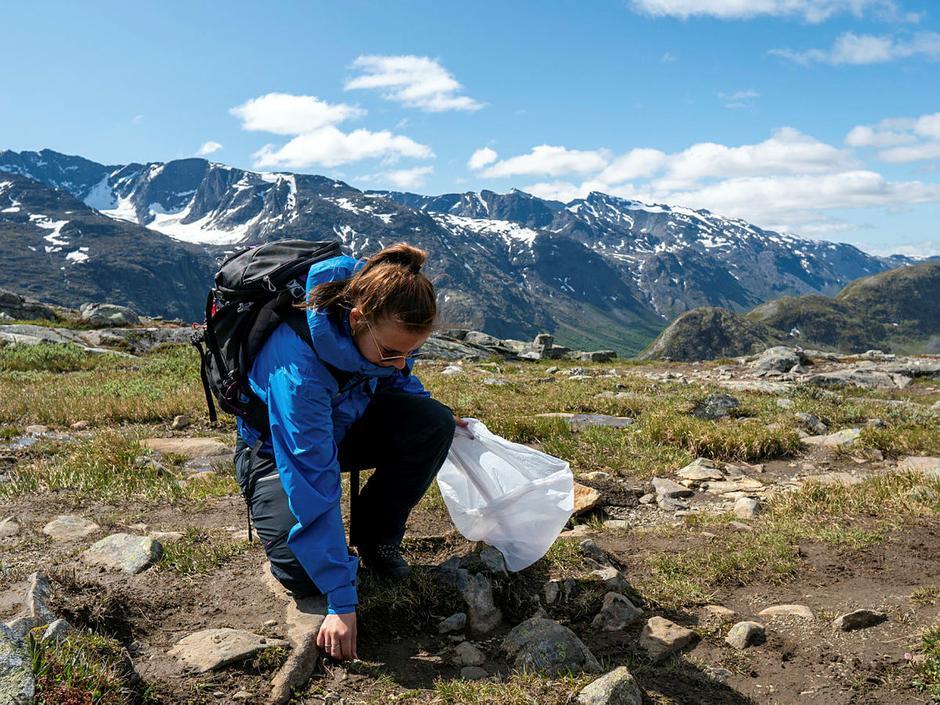 Ta med deg søppelet ditt hjem igjen og forlat naturen slik du ville ønsket å møte den.