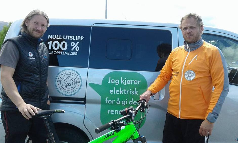 REN OPPLEVELSE: Ta kollektivt til fjells - og bestill gjerne henting av Gjendesheims elektriske minibuss.