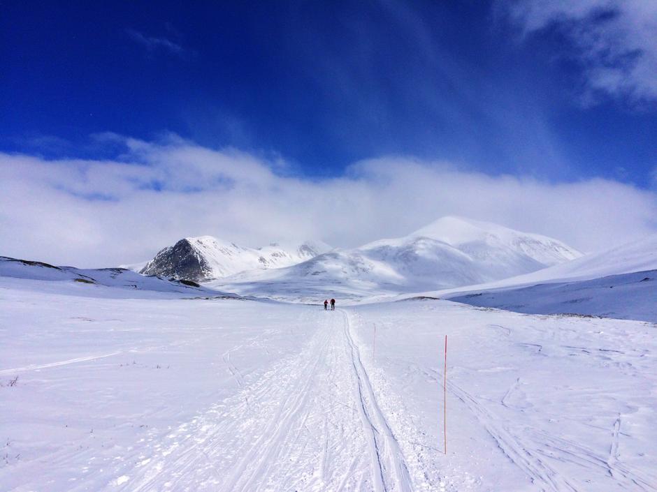 """""""Aktiv vinter""""Skitur fra Mysuseter til Rondvassbu. Enestående utsikt mot Rondanemassivet og fjellene rundt."""