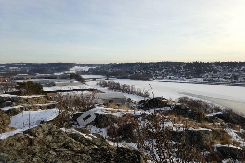Utsikt fra Oseberget mot øst og oppover Lågen